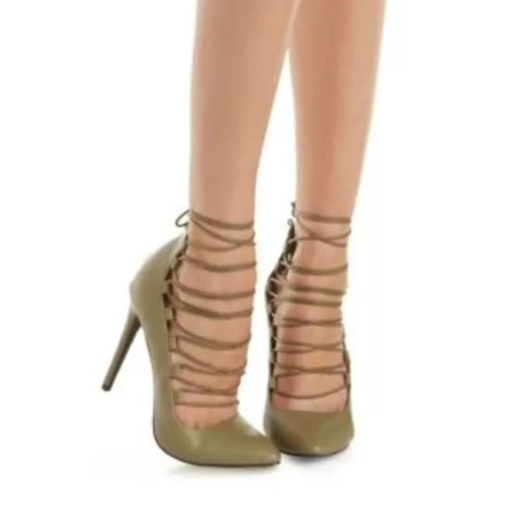closer at great deals 2017 official images 🇺🇸Charlotte Russe Olive Green heels